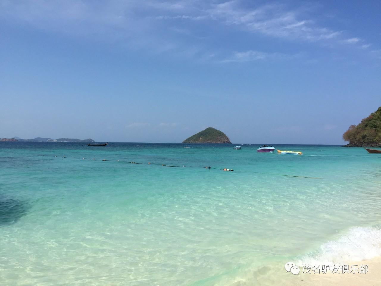 旅游 正文  珊瑚岛(蓝岛),距离芭提雅九公里,是芭提雅海滩外最大的岛.