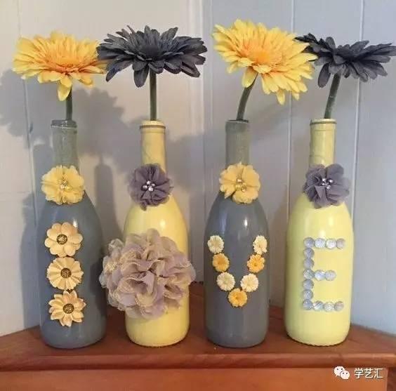 瓶子里装上小灯泡,不用过多的装饰都很有创意,是不是很浪漫啊 麻绳