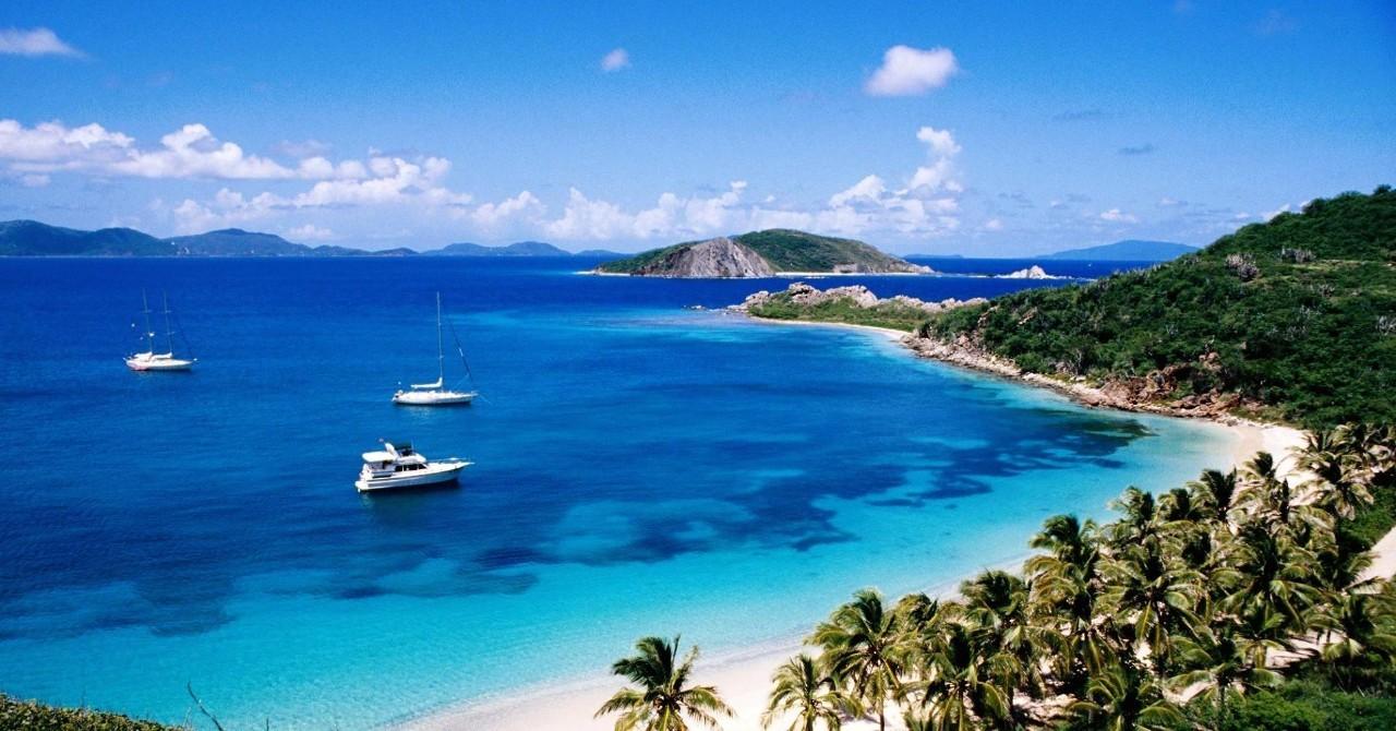 加勒比最让人心醉的风景,无一不被加勒比蓝所点缀 或许我们可以说,让