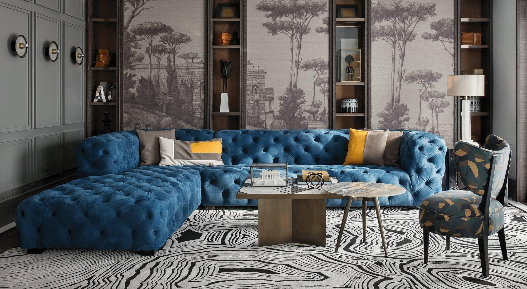 设计中,不同时期的艺术臻品相互混搭,极致动人的纹样墙纸,古典的沙发