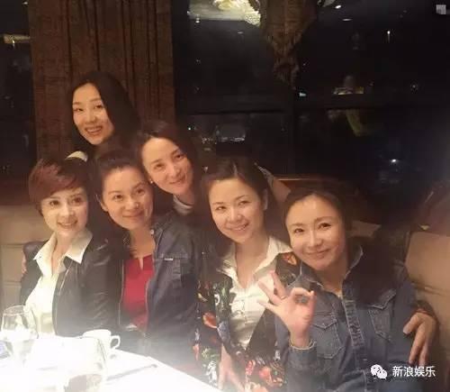 刘亦菲和江一燕是同学……   景 可是他们也是大学同学……   而陈