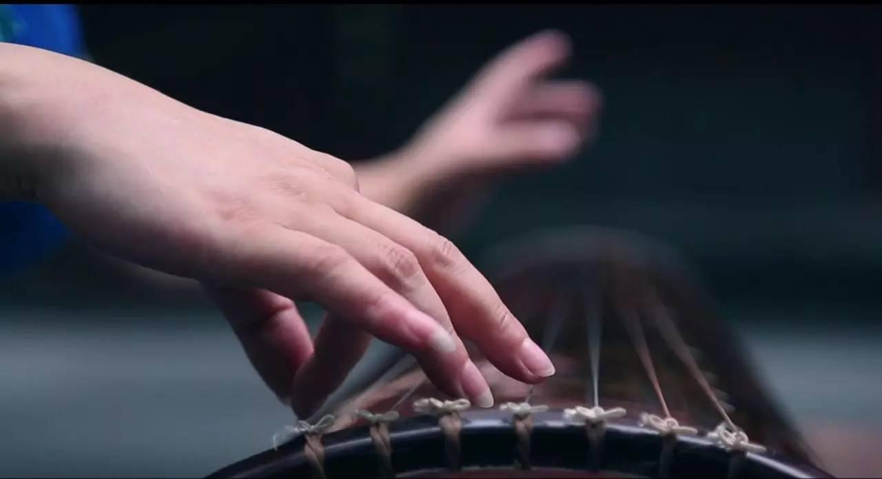 欣赏古琴曲,重在 余韵和弦外之音,即中国艺术的意境之美,如同水墨画图片