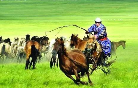 蒙古族-天边草原乌拉盖,草原三日深度游