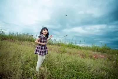 超专业的少年儿童摄影外景拍摄技巧 留着拍自己的宝宝图片