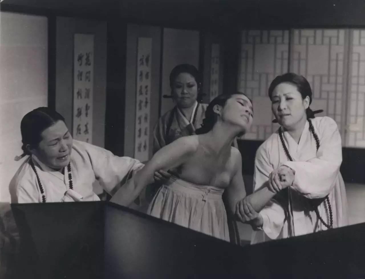 清朝宫女宁愿被杀头,也不愿意受人这种折磨,慈禧最喜欢用它折磨人!图片