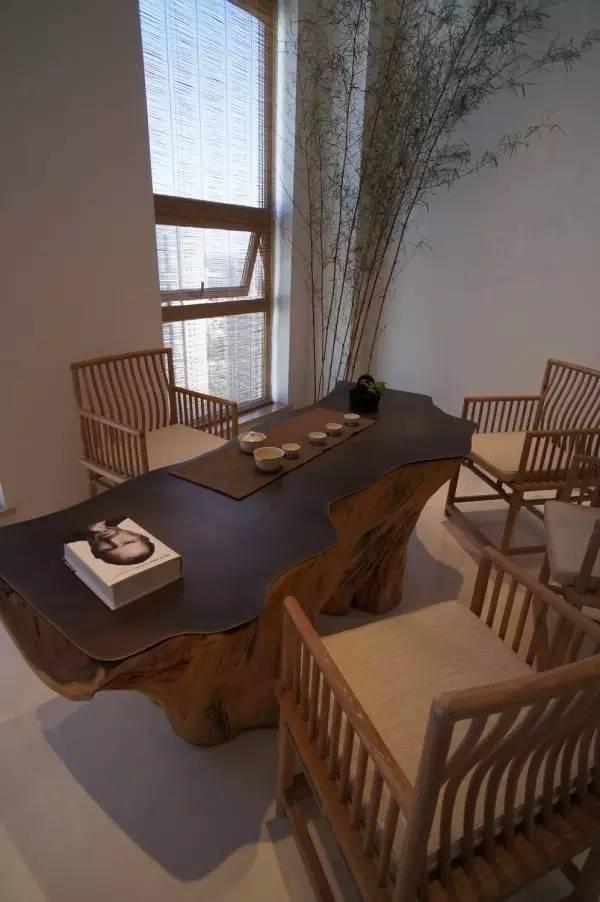 文化 正文  传统中式风格的天花板主要分为天花和藻井, 门窗则一般