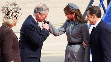 在亲吻礼盛行的法国,这种礼节已经延续数百年了