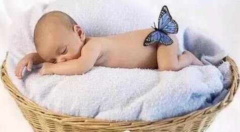 新生宝宝便便的观察与养护图片