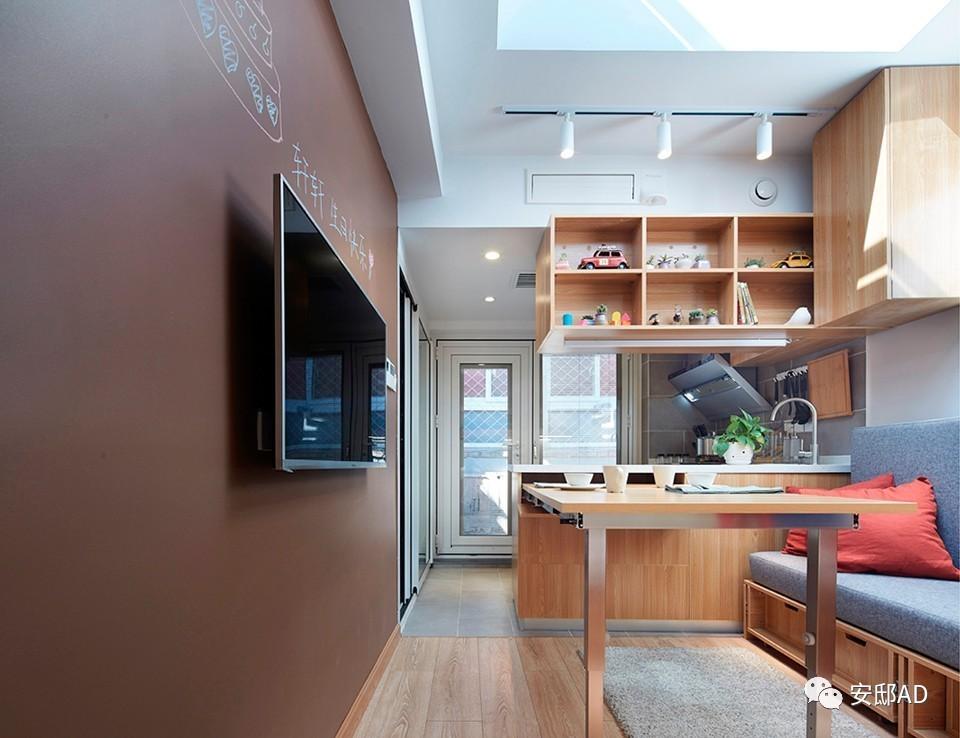 """位于汪芝麻胡同的改造项目被陈暄称为""""变形金刚"""",在20平方米的空间中"""