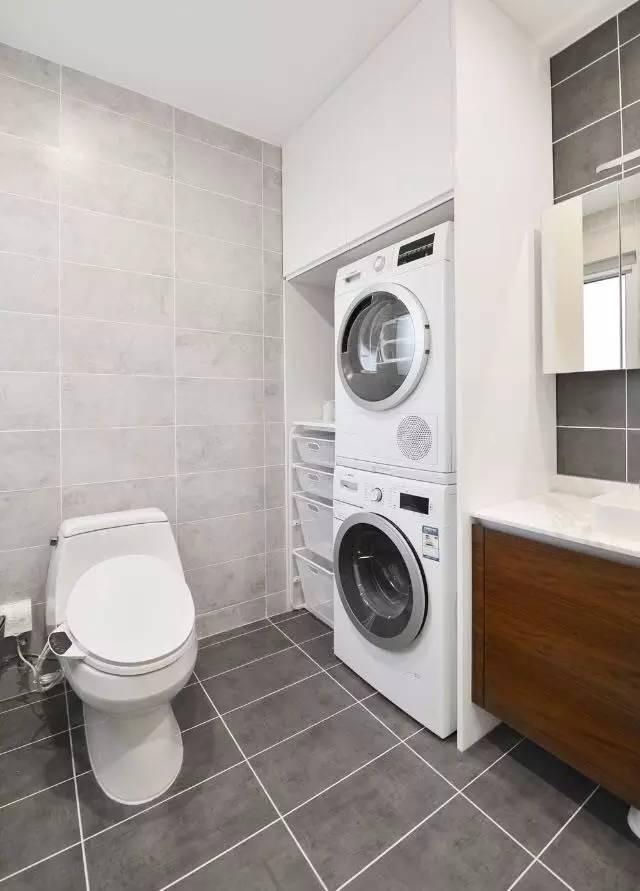 嵌入式洗衣机烘干机的设计让整个空间更整体整洁,更合理的利用空间.图片