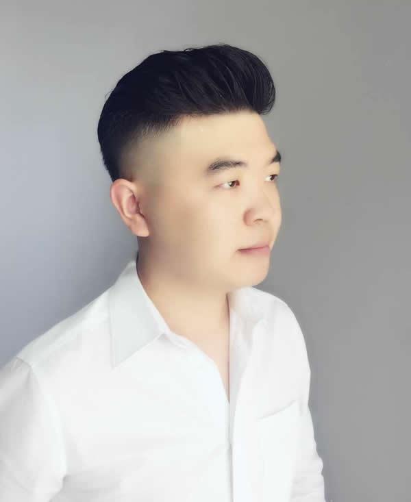 帅爆朋友圈的男生发型,大背头最in!图片