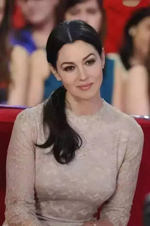 色情一级演员有哪些_娱乐 正文  好莱坞永远不缺年轻漂亮的女演员,是的每年春天都能长出一
