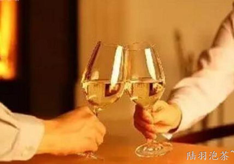 喝酒不醉小妙招, 学会了酒量大增, 还能保护肠胃