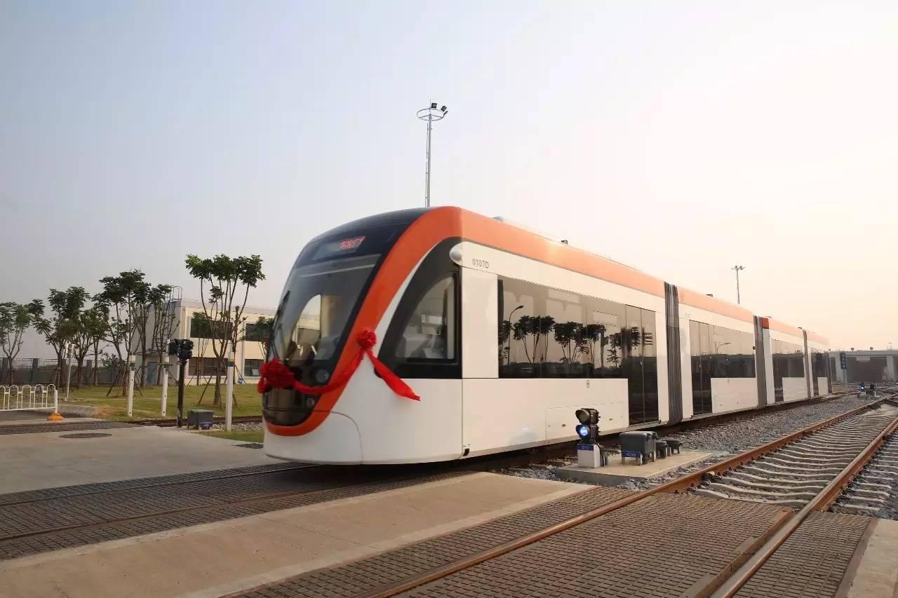 西门子助力武汉首条有轨电车线路投入试运营