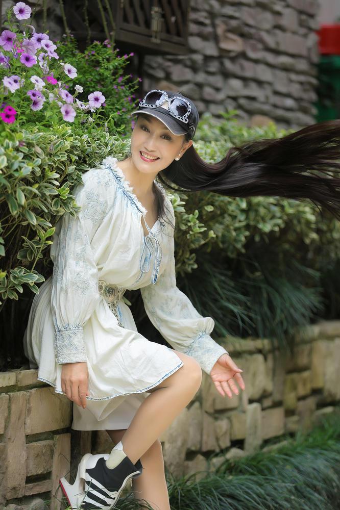 操阿姨影院-无码_杭州近60岁阿姨逆生长 冻龄皮肤年轻如少女