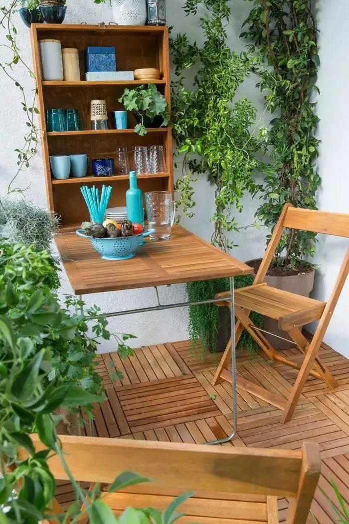 阳台瞬间就变成了小庭院小花园.图片