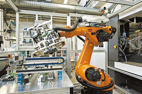 昊威机器人为许多客户提供了上下料机械手的集成服务.图片