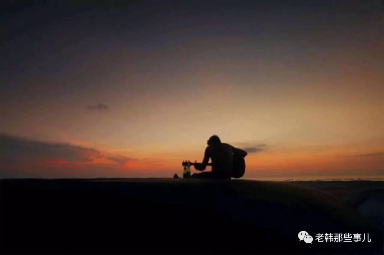 一个人寂寞孤独的说说图片_学句子