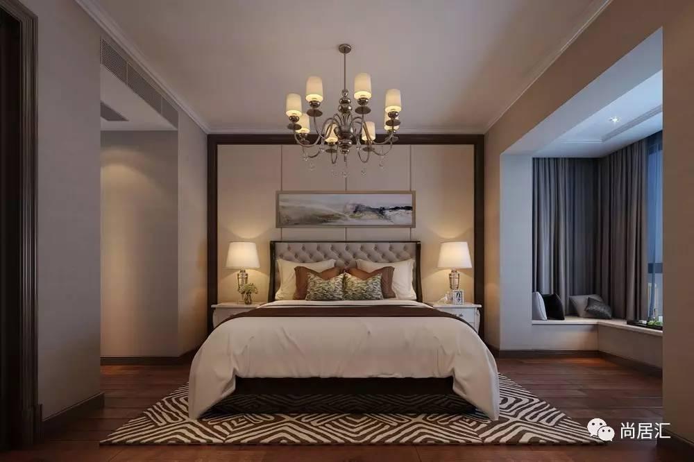 客厅电视背景墙以木饰面护墙板,大理石搭配,素雅而端庄.