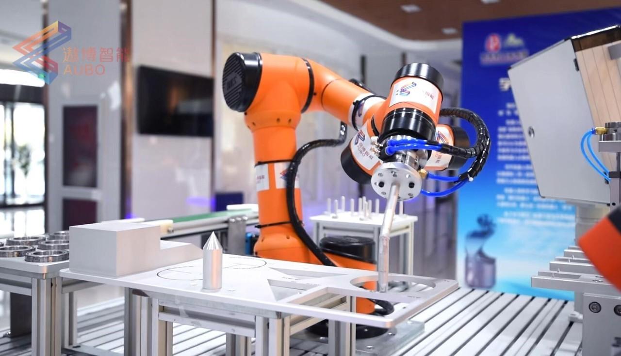 遨博机器人