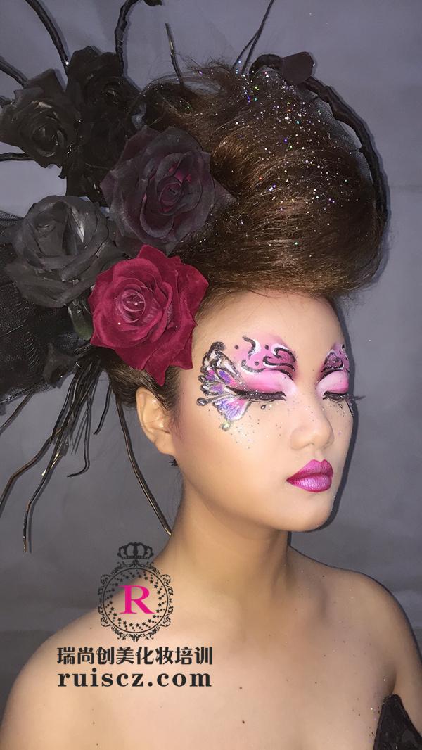 彩绘化妆 带你体验彩绘与时尚的完美融合