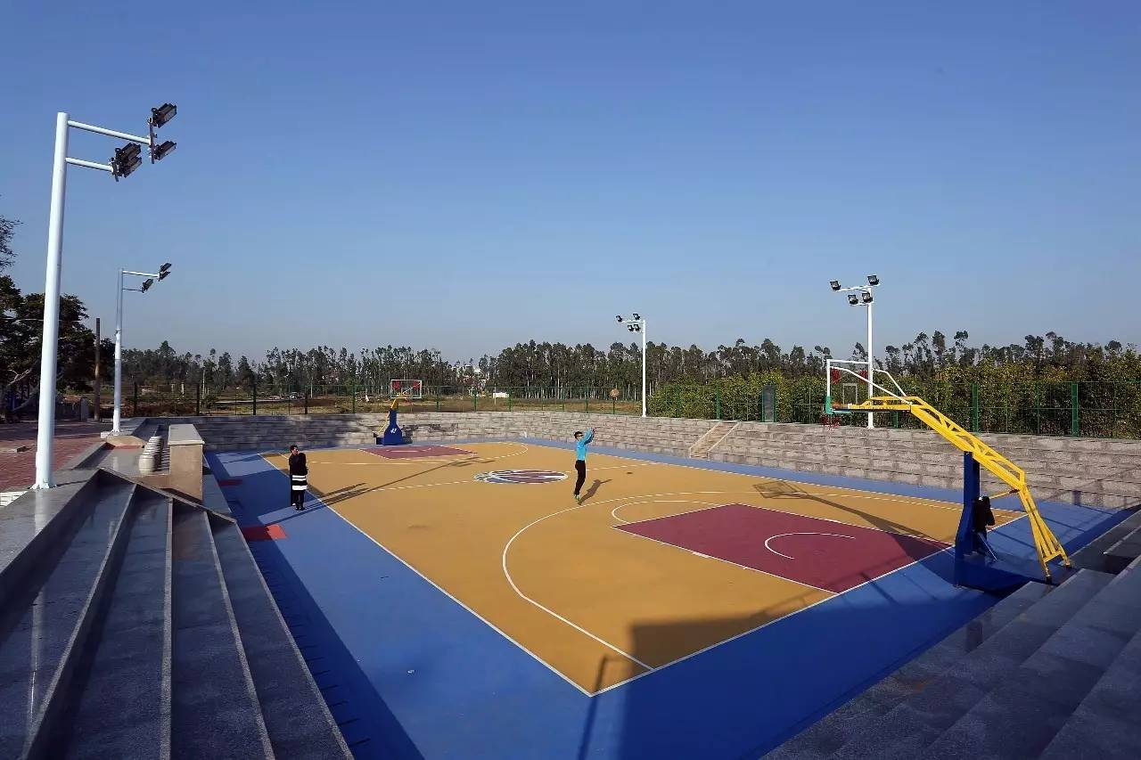 3 丰富群众文化体育生活 ▲首峰中学体育场对市民开放 完成情况 截至图片