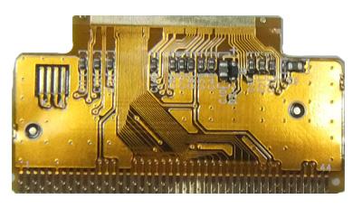 科技 正文  ⑷多层印制电路板中,可设置接地层,接地层设计成网状.