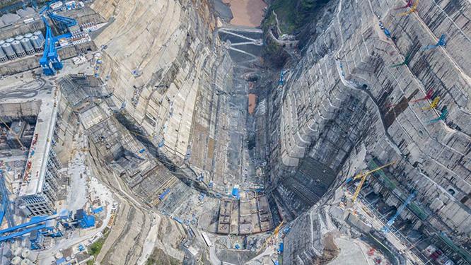 白鹤滩水电站是金沙江下游干流上四个阶梯水电站之一,水电站装机容量