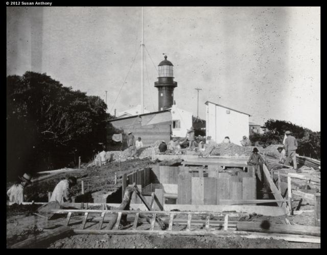 清末年间拍摄的佘山岛及佘山岛灯塔影像