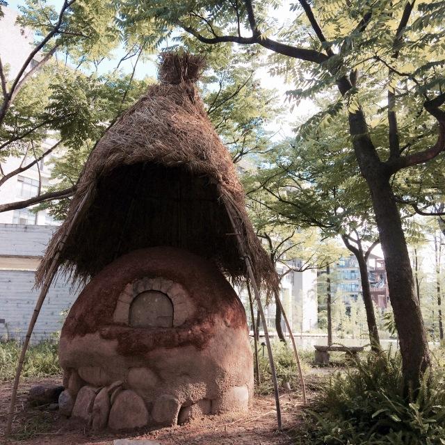 建造在梧桐岛园区的面包窑