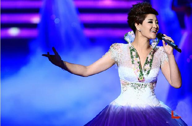歌曲《爱江山更爱美人》 演唱: 2005年毕业后,降央卓玛参演舞剧图片