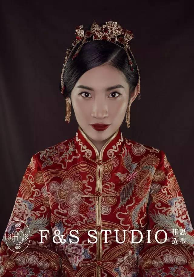 中式旗袍妆容手绘