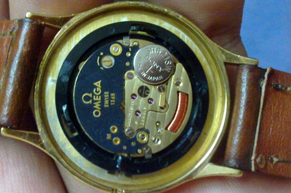 绍兴欧米茄手表换电池多少钱?图片