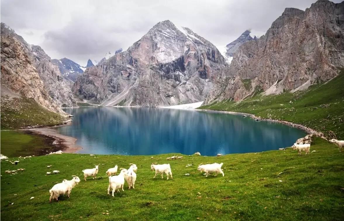 新疆最美最虐的10大经典徒步线路,双脚在地狱,双眼上天堂图片