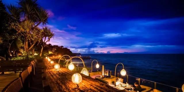 正文  by 芬达姐 巴厘岛属于世界级度假胜地 在南部拥有最美的沙滩