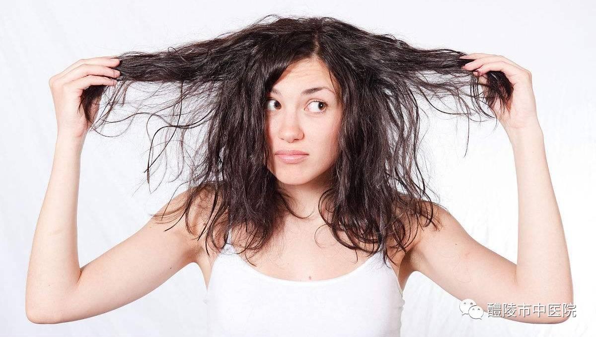 头发干燥图片