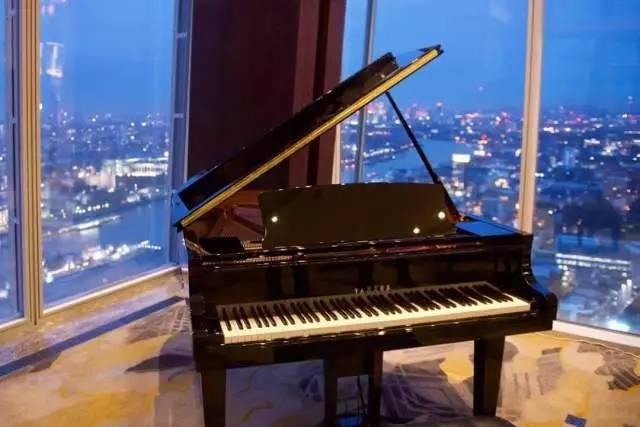 时代钢琴城教您如何辨别雅马哈日产U1钢琴