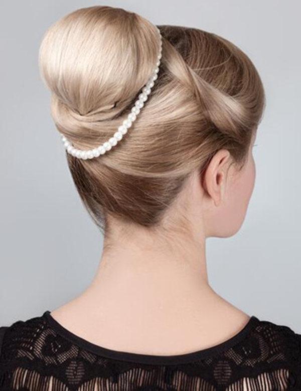 晚宴造型中发型可是很重要的,今天瑞尚创美就和大家分享一款简单的图片