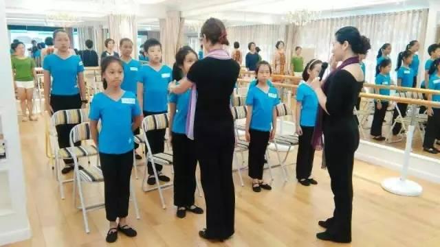 小学&初中生及其家长(亲子1 1) 宝安区女童形象礼仪训练营课程表