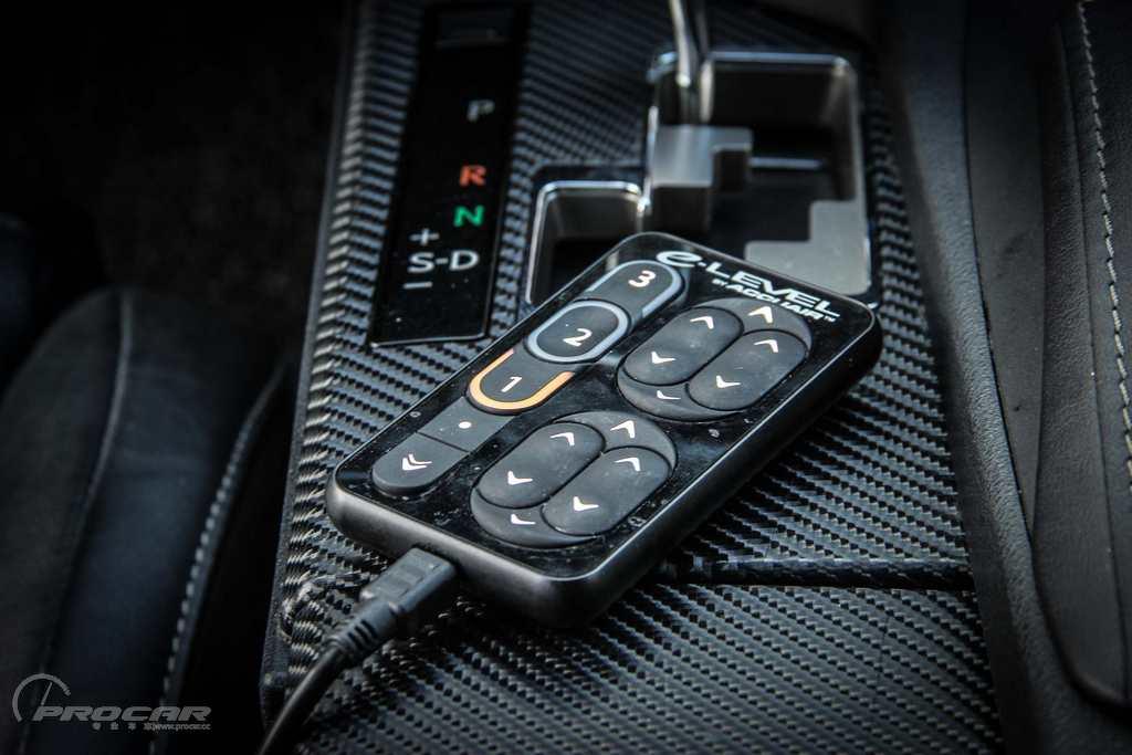 值得一提的是,这套accu控制器能够通过连接手机进行无线控制,在车外也图片