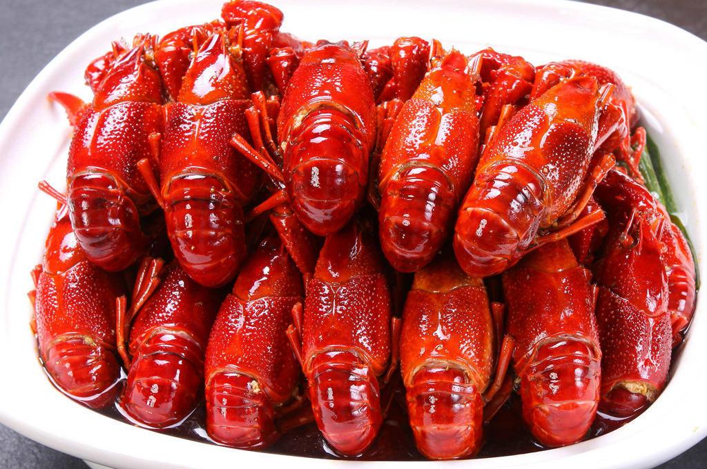 闹完北京闹上海,网红小龙虾翘公主上海开店