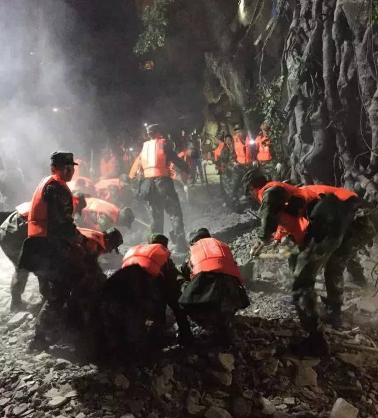 快讯!上海50人应急医疗队连夜驰援九寨沟灾区!_梅奥... _新浪博客