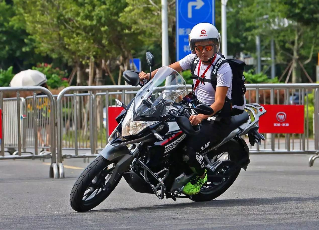 摩托 摩托车 自行车 1269_913图片
