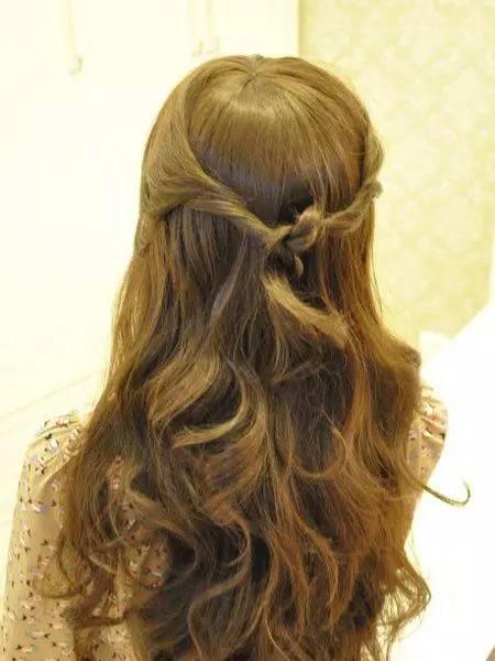 女生美丽可爱的扎发发型图解!