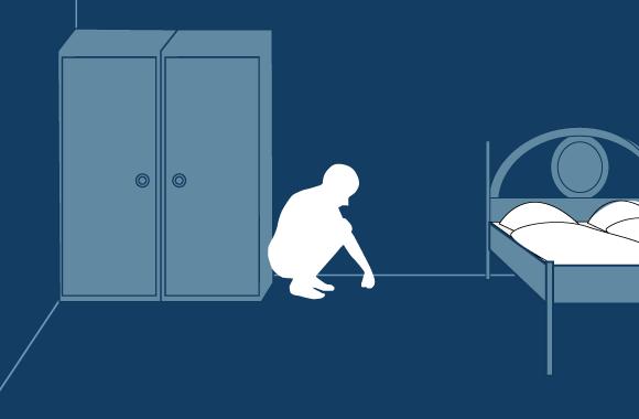 将衣柜,桌子或者其他家具作为遮蔽物,直到震动停止.