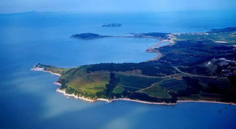旅游 正文  葫芦岛市濒临渤海湾,也是东北风景优美的滨海城市,辖下的