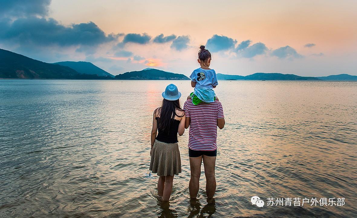 旅游 正文  衢山岛上最值得一提的美景之一就属这条风车王国路线了.
