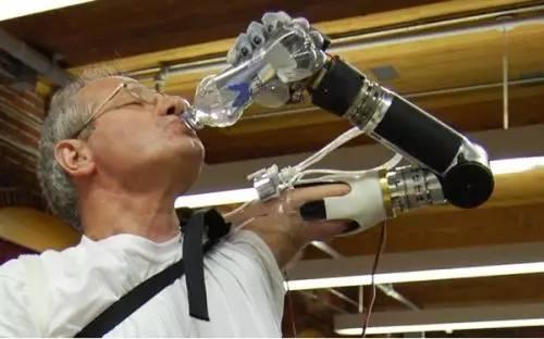 迪恩・卡门: 拒绝乔布斯给的4亿,400多项专利发明,拯救10亿人!