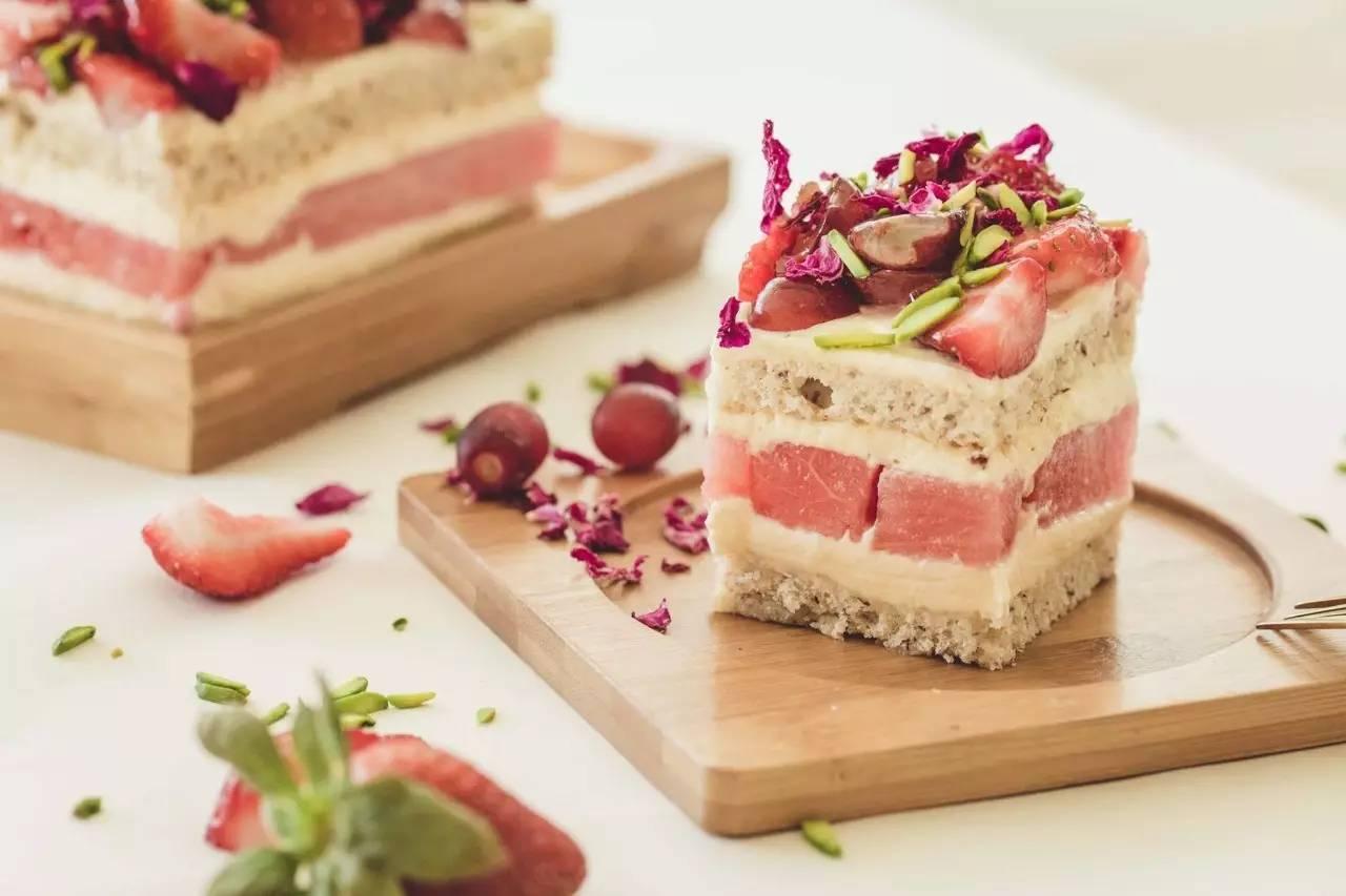 免费请你吃布村网红西瓜蛋糕 还有一大波甜品已在路上.