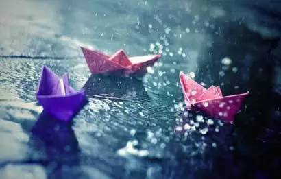 下雨天的心情说说图片